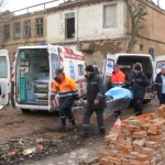 В Луцке под завалами стены погибли двое людей
