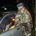 Убегая от пограничников, контрабандист разбил 18 бутылок водки