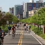 Лучан хотят пересадить с маршруток в троллейбусы и велосипеды