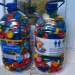 Маленькие посетители областной детской библиотеки собрали две бутыли крышечек на протезы для воинов